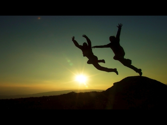 sunset_sky_sun_boys_sunshine_silhouette_dark_fun-945255